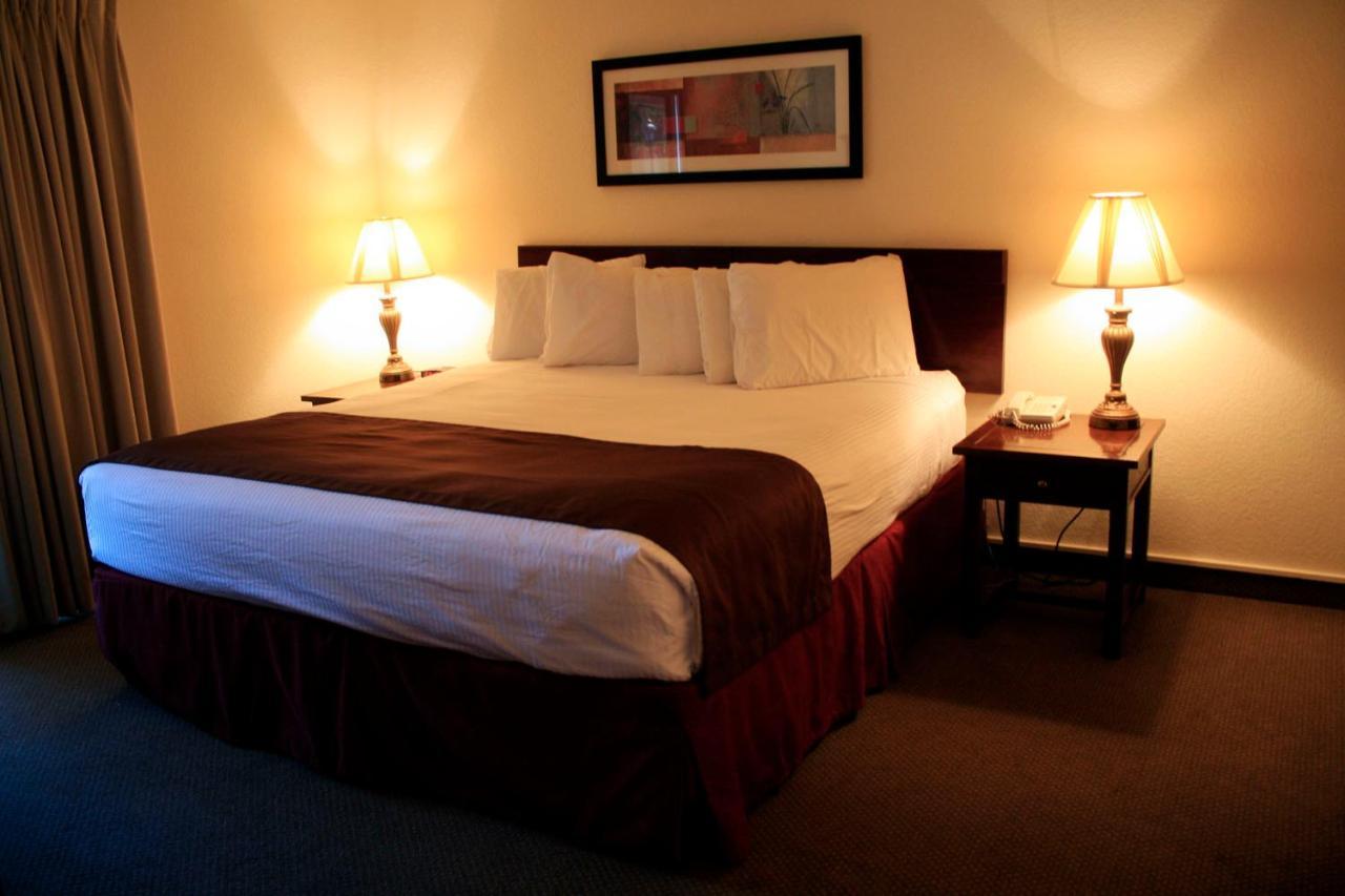 Отель  Отель  The Inn At Tallgrass