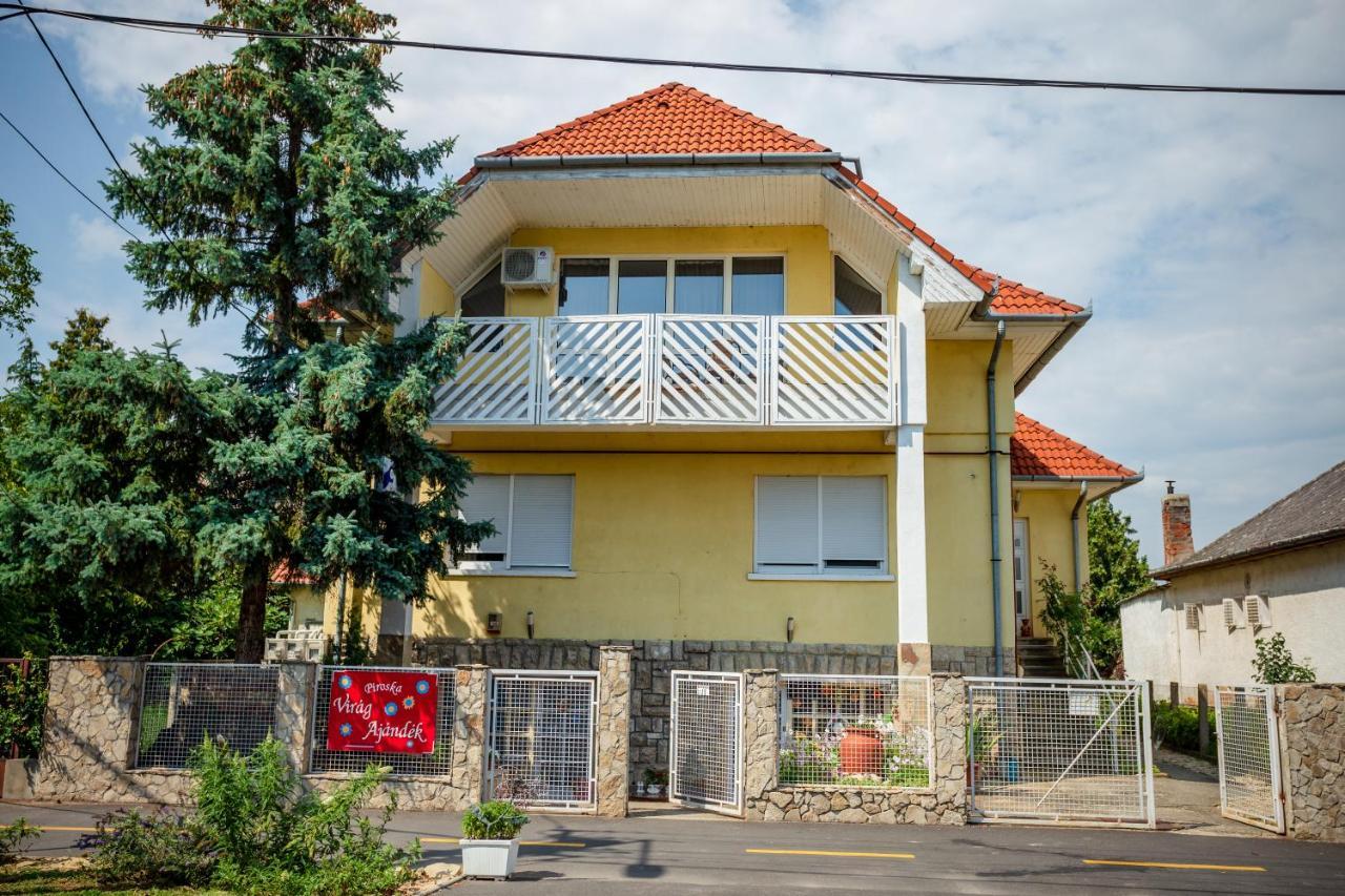 Апартаменты/квартира  Virágos vendégház  - отзывы Booking