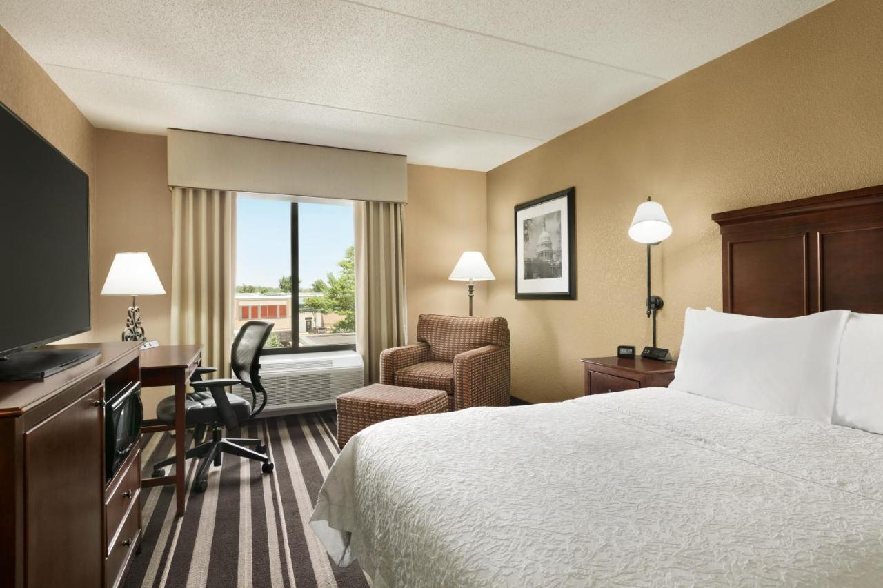 Отель  Hampton Inn Washington-Dulles International Airport South  - отзывы Booking