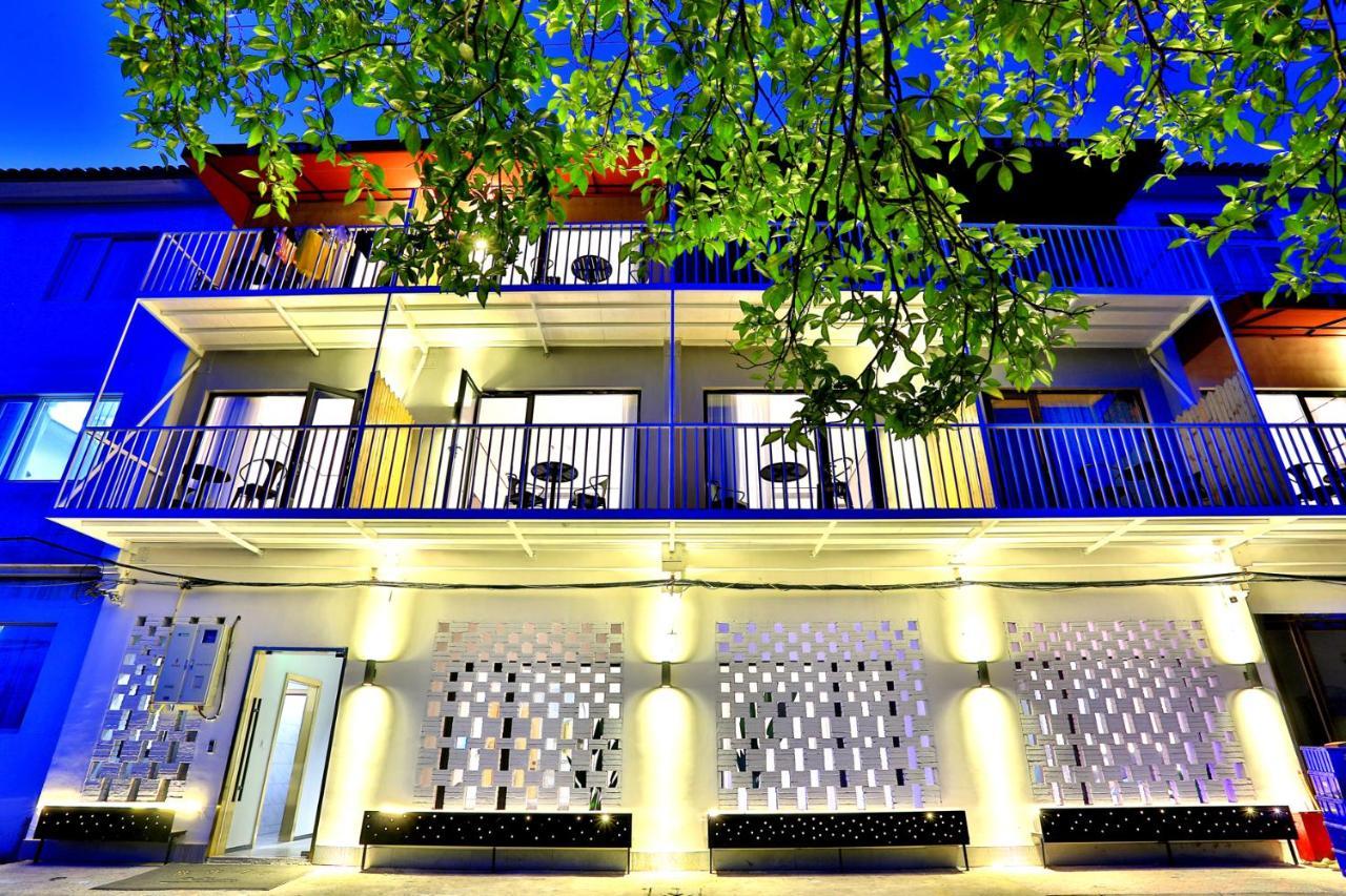 Отель  Wuzhen Andi Design Hotel