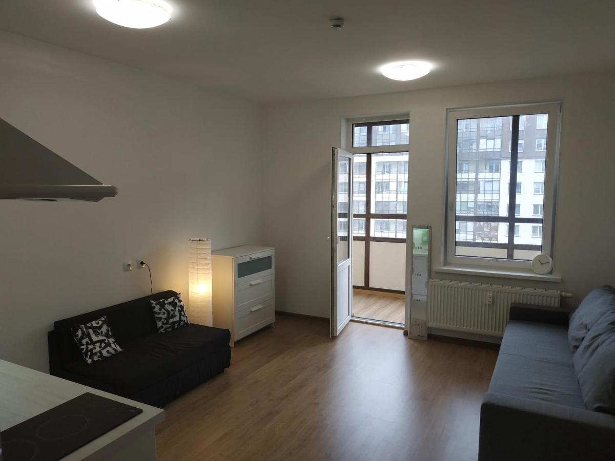 Апартаменты/квартира  Apartment On Veteranov 171