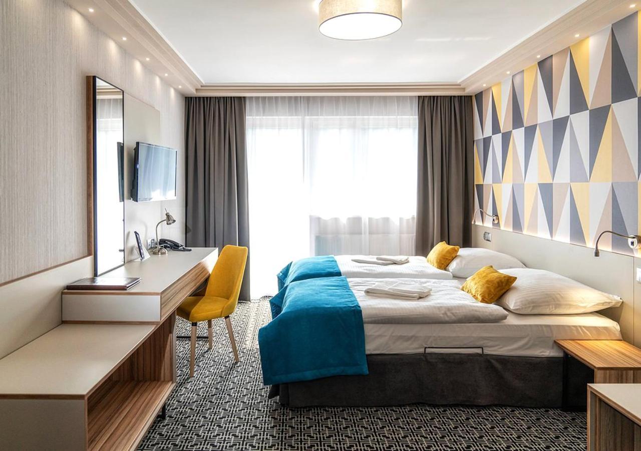 Отель  Hotel Stok  - отзывы Booking