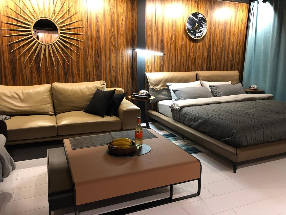 Фото  Апартаменты/квартира  555 House