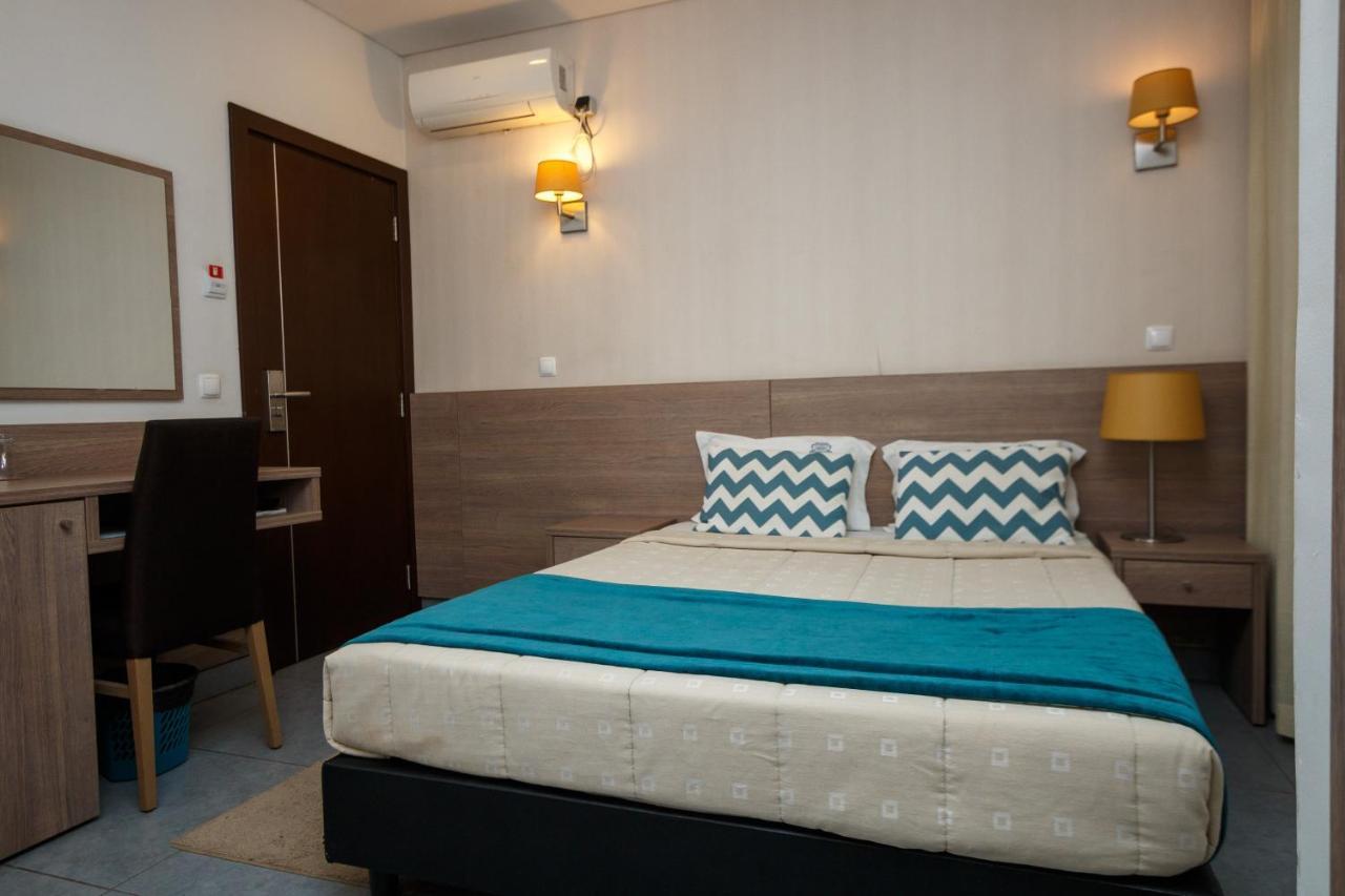 Отель  Hotel Santa Cruz  - отзывы Booking