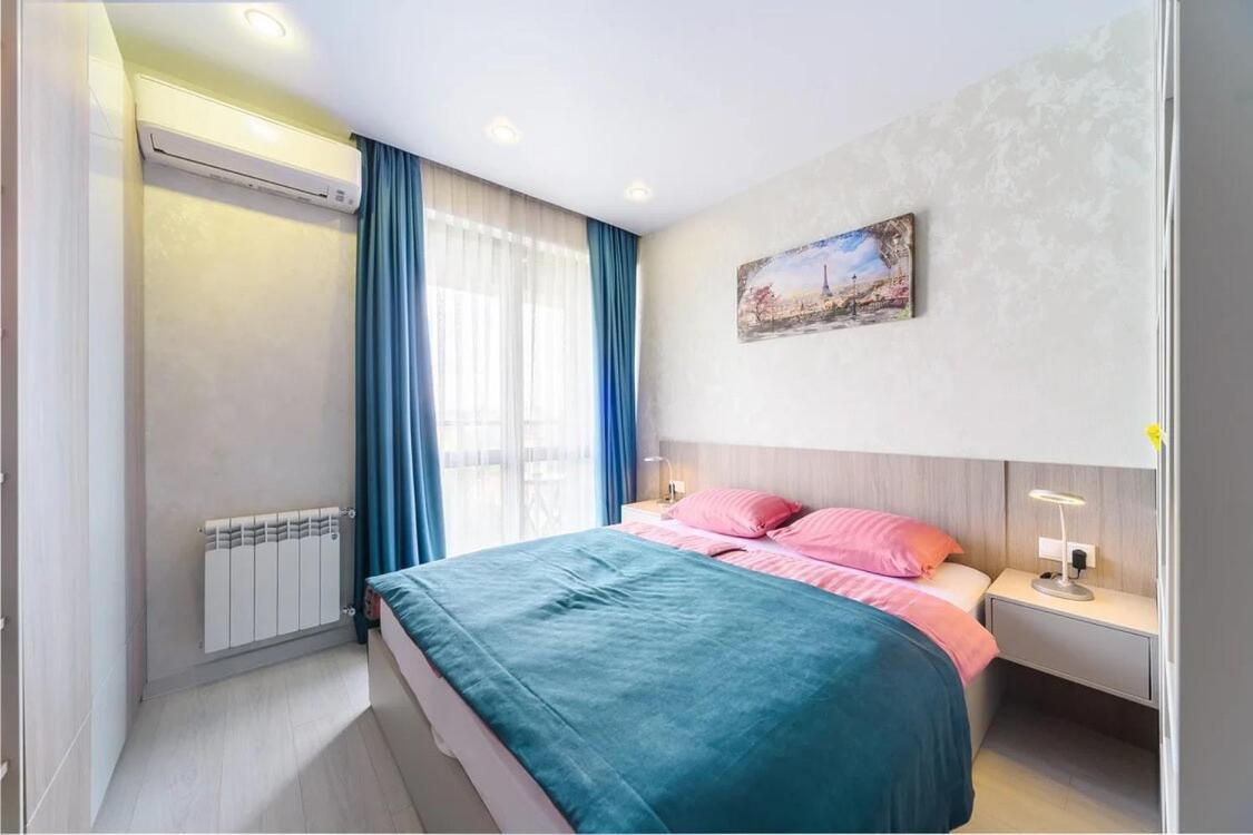 Апартаменты/квартира  Апартаменты в центре Сочи с видом на море номер 63