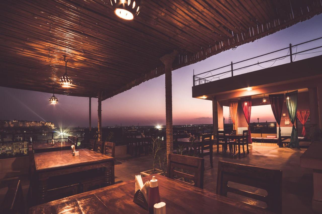 Отель  Hotel Prithvi Palace  - отзывы Booking