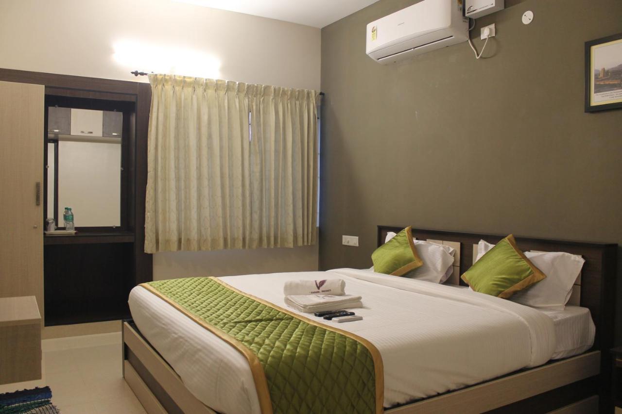 Отель  Отель  Viswa Residency By Azalea
