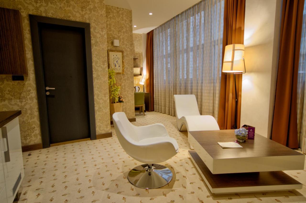 Отель типа «постель и завтрак»  Atera Business Suites