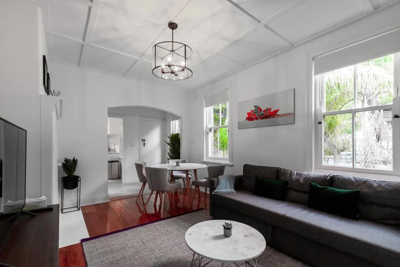 Апартаменты/квартира  Luxurious Historic Home With Harbour Bridge Views