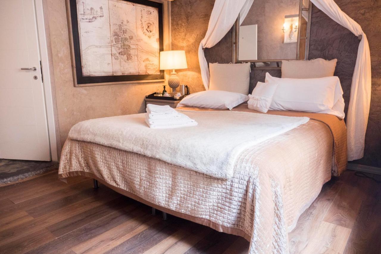 Отель типа «постель и завтрак»  Отель типа «постель и завтрак»  Les Chambres De Amelie