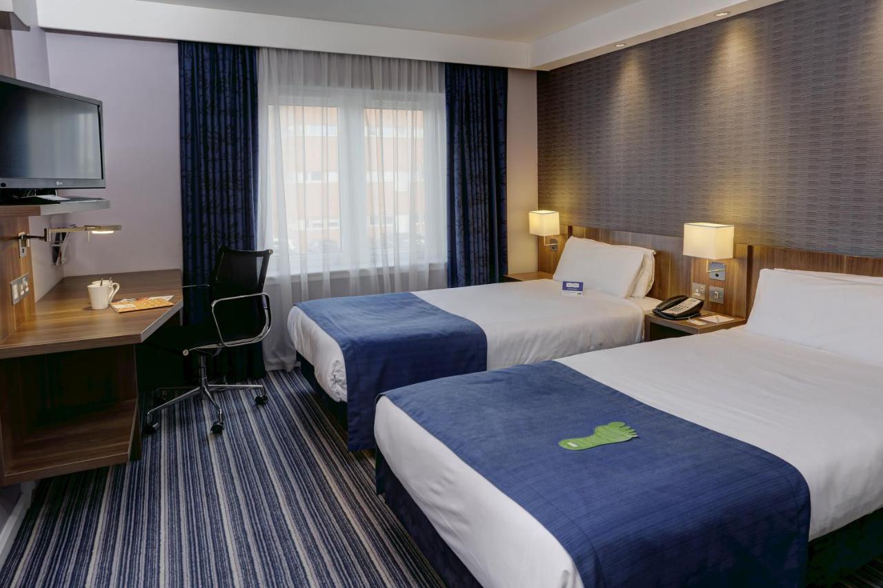 Отель  Holiday Inn Express Windsor