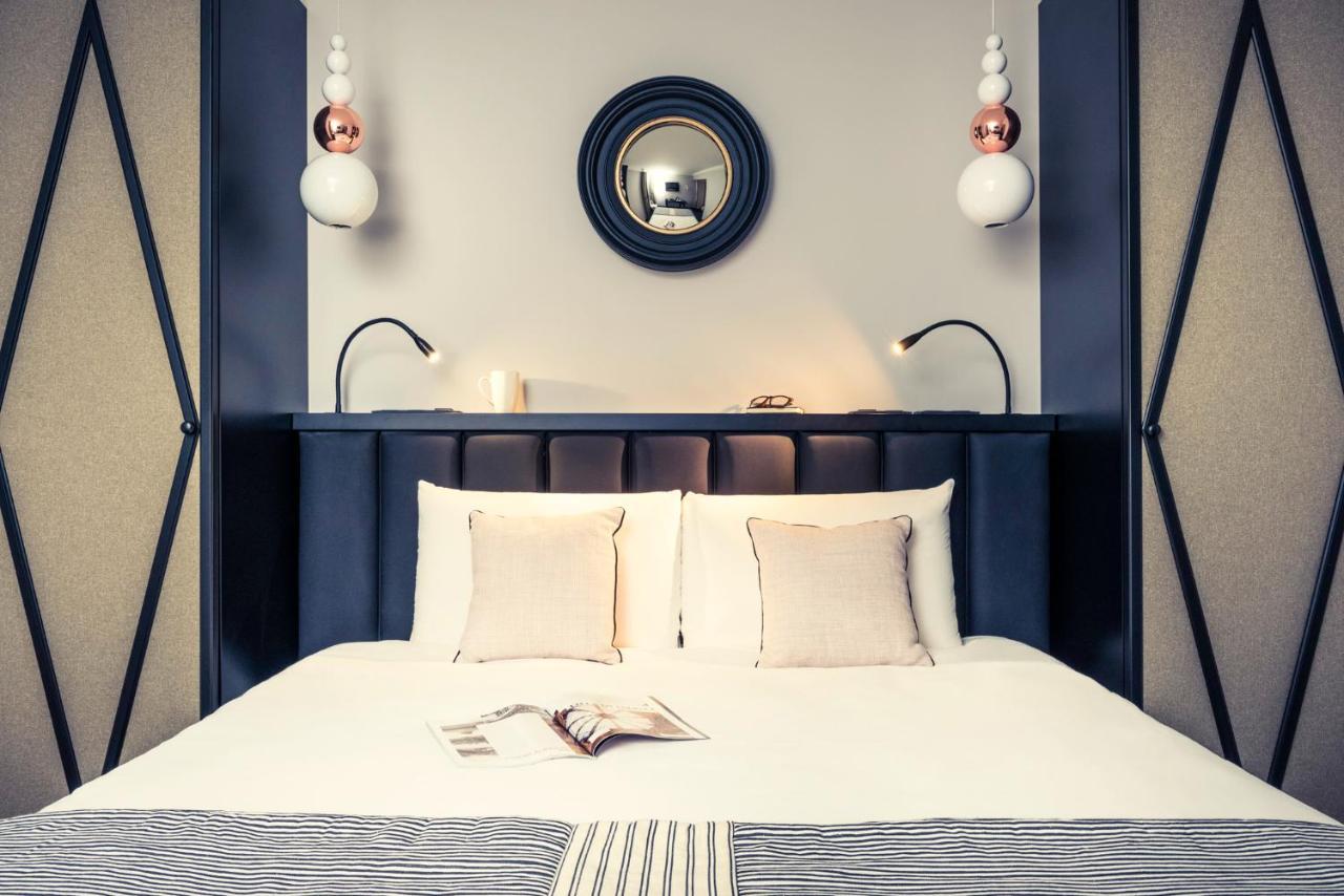 Отель  Mercure Paris Arc de Triomphe Wagram  - отзывы Booking