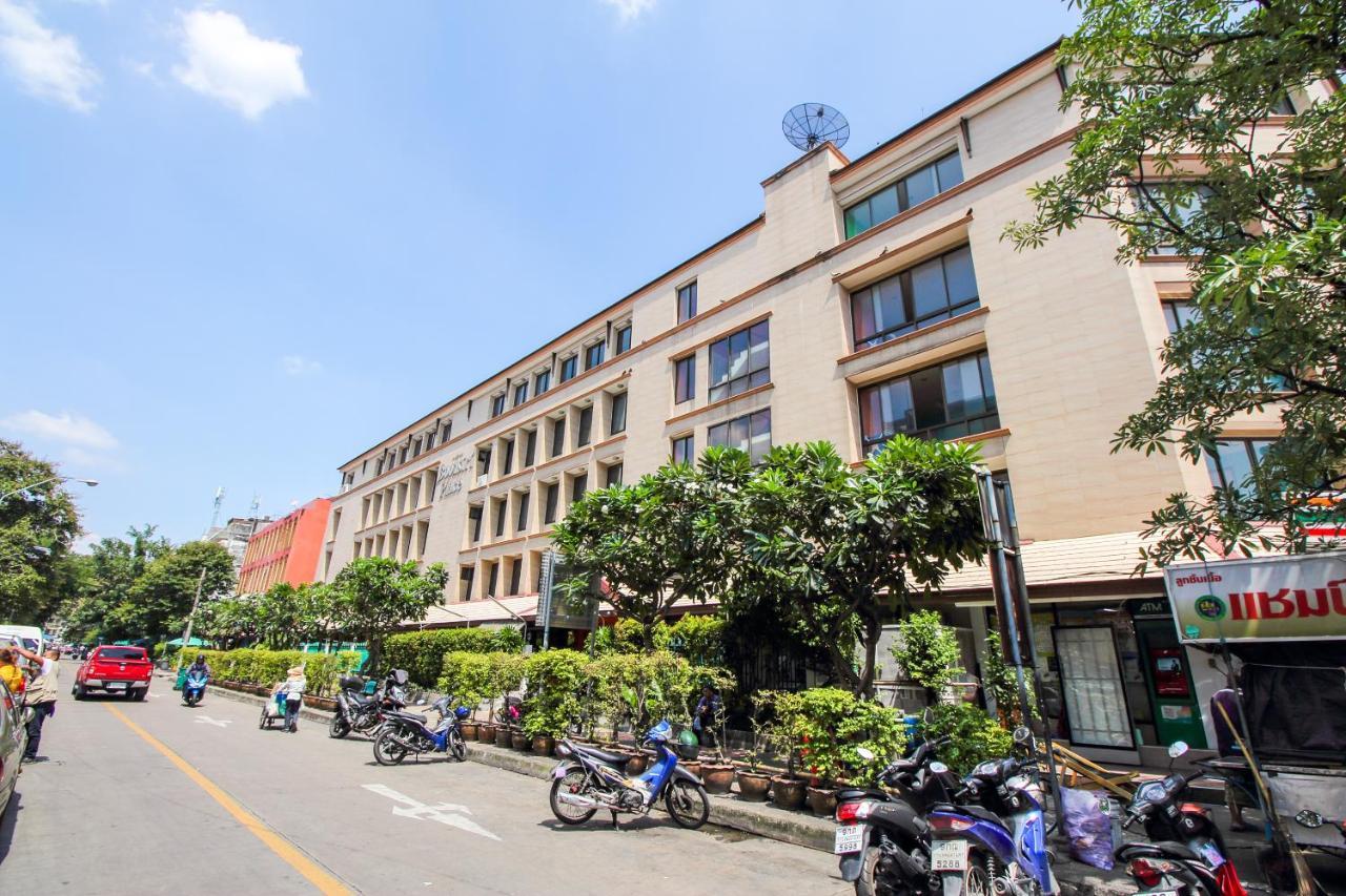 Отель  Отель  OYO 434 Boonsiri Place Hotel
