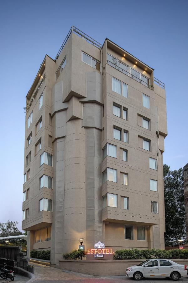 Отель  Отель  Effotel By Sayaji