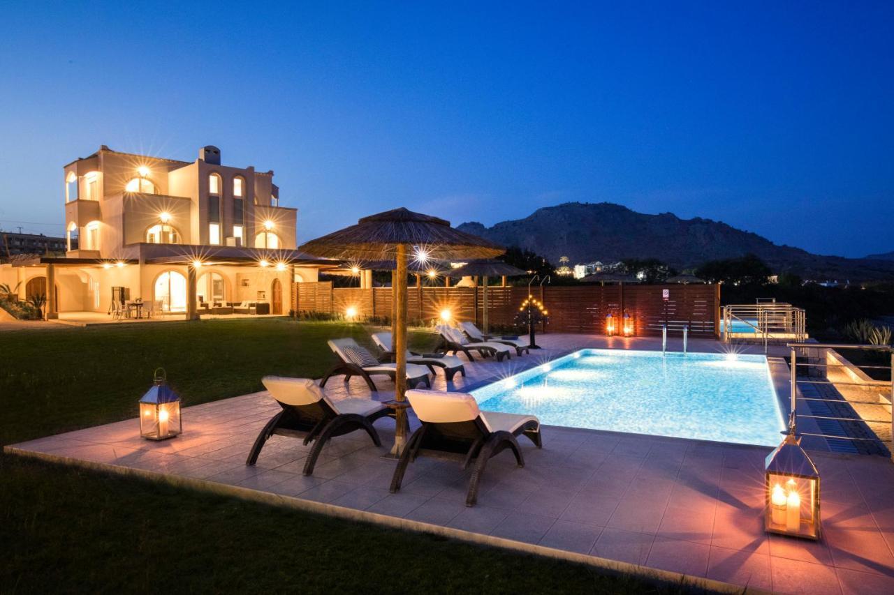 Фото  Вилла Kiotari Beach Villas - Luxury Retreat