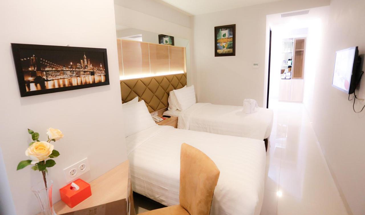 Отель  Hotel Daily Inn