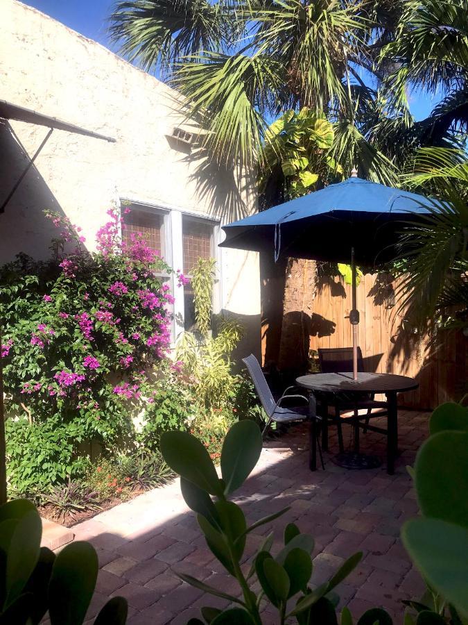 Гостевой дом  The Cottage At Pineapple House