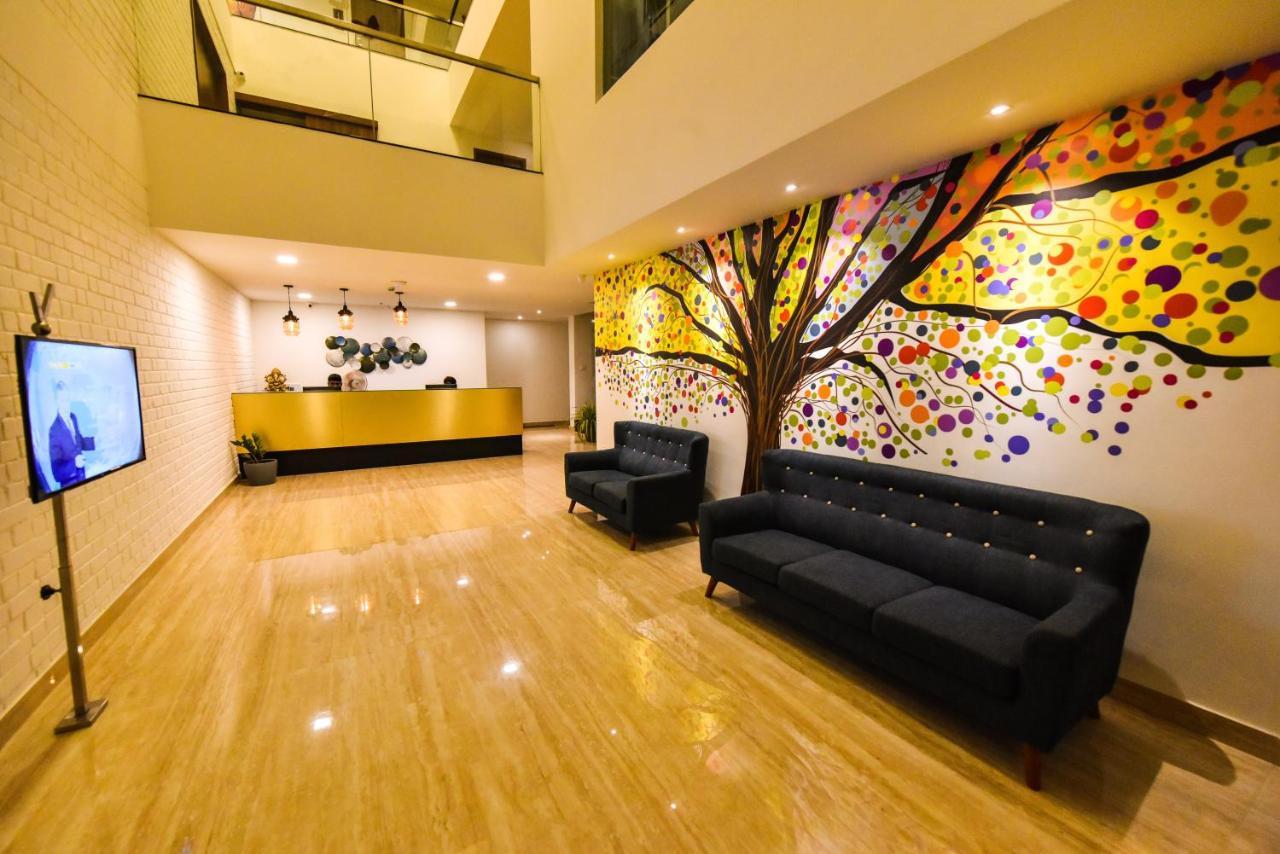 Отель  Vivid A Boutique Hotel  - отзывы Booking