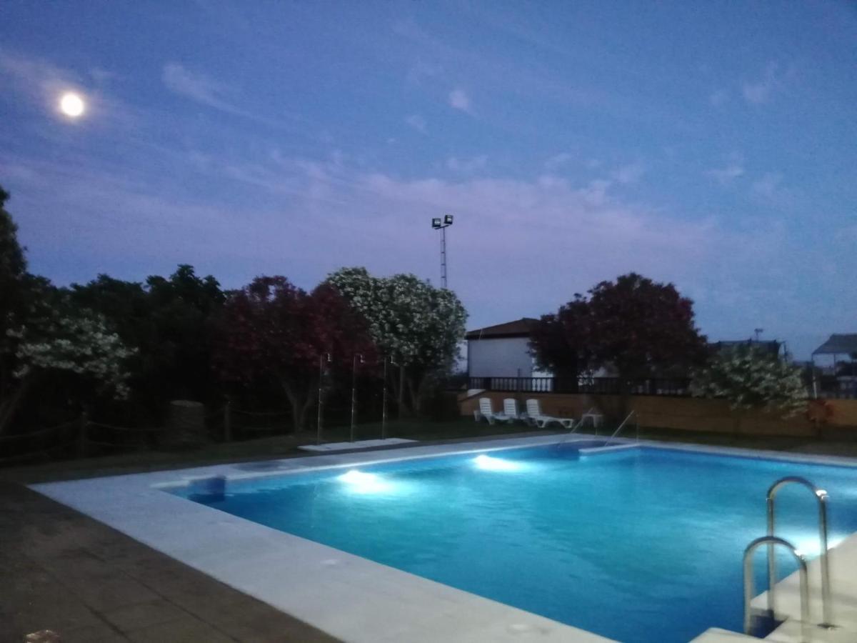 Отель  Hotel Braseria La Barca