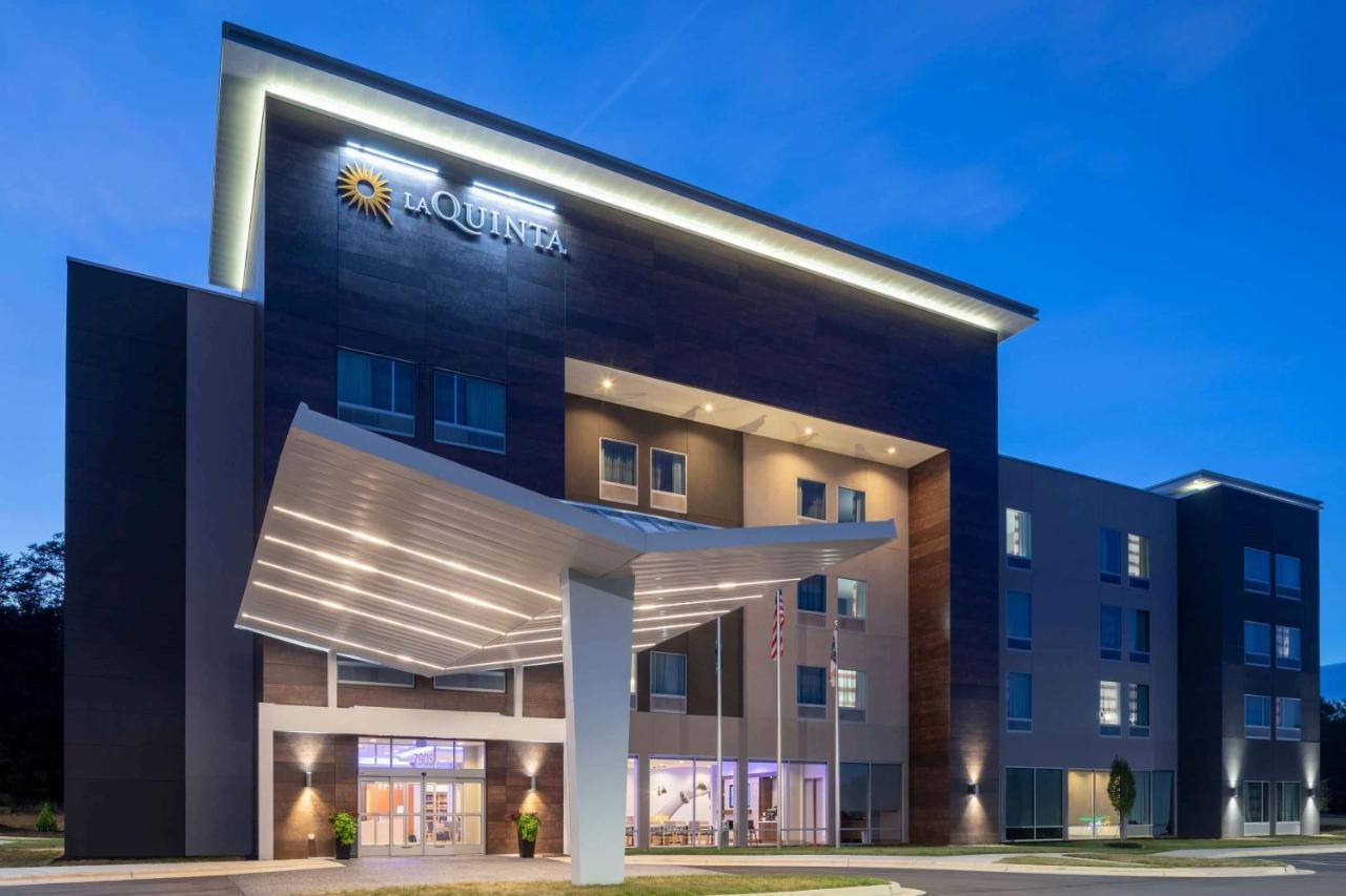 Отель  Отель  La Quinta By Wyndham Greensboro Airport High Point