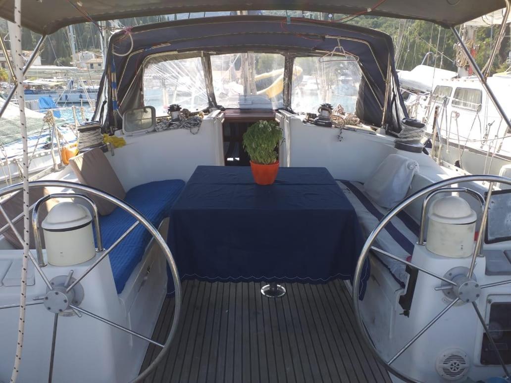 Ботель  Aledoa Boat  - отзывы Booking