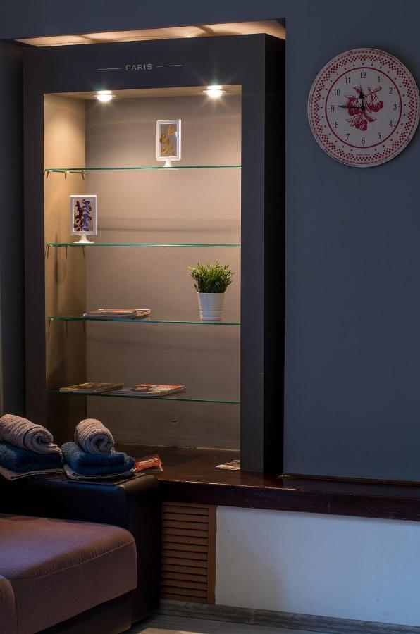 Фото  Апартаменты/квартира Ambient Studio on Yaroslavl 'Arbat'