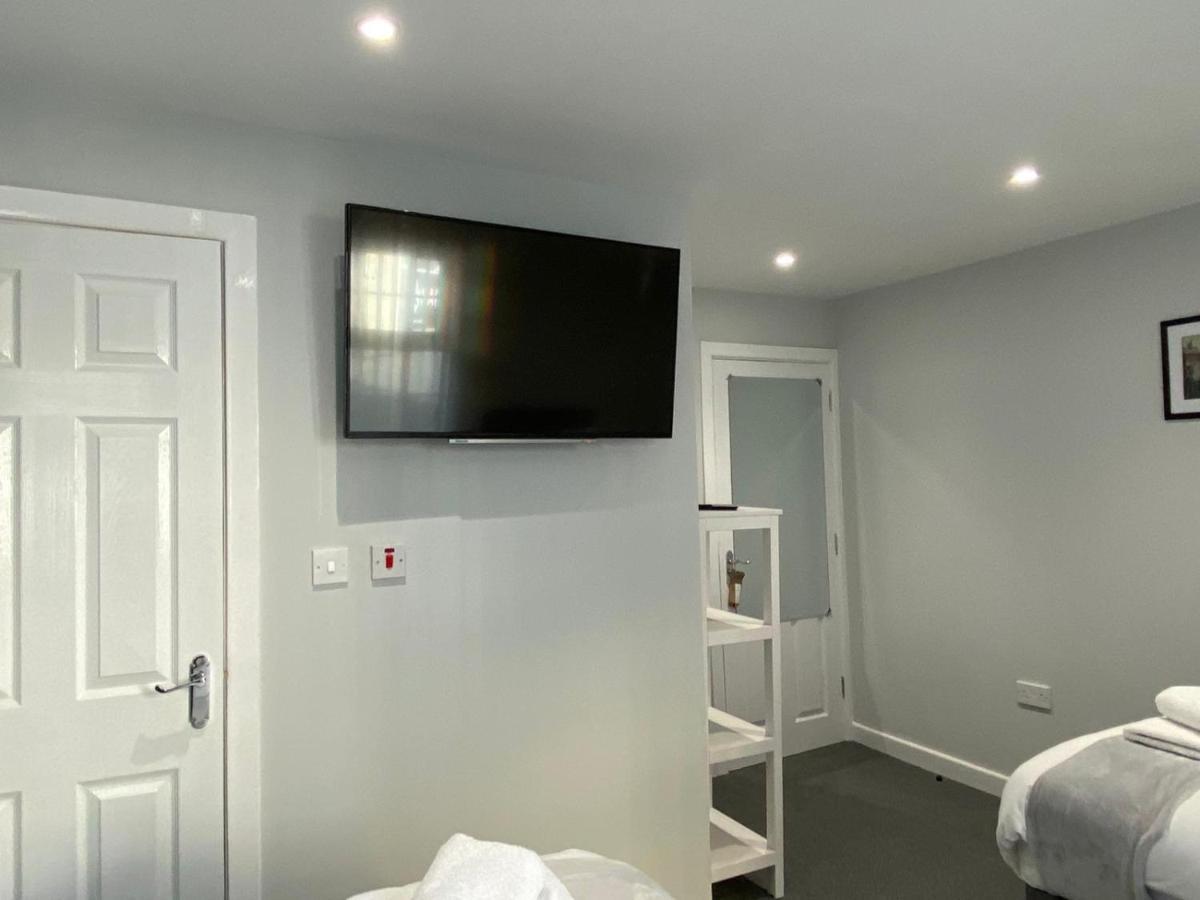 Отель  RILEY'S ROOMS  - отзывы Booking