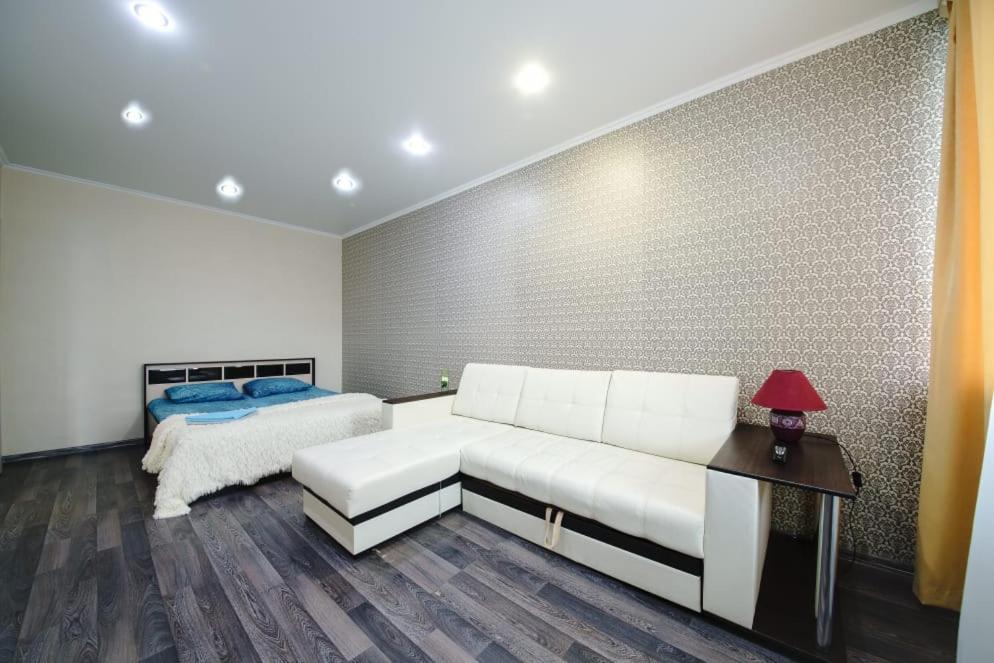 Апартаменты/квартира  Квартира на Пугачёва 8 эт  - отзывы Booking