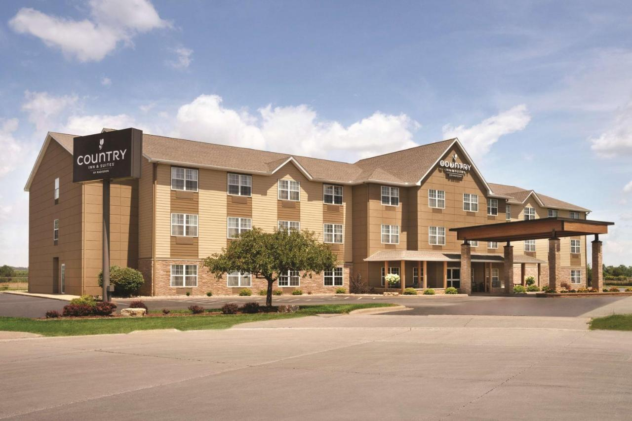 Отель  Country Inn & Suites By Radisson, Moline Airport, IL