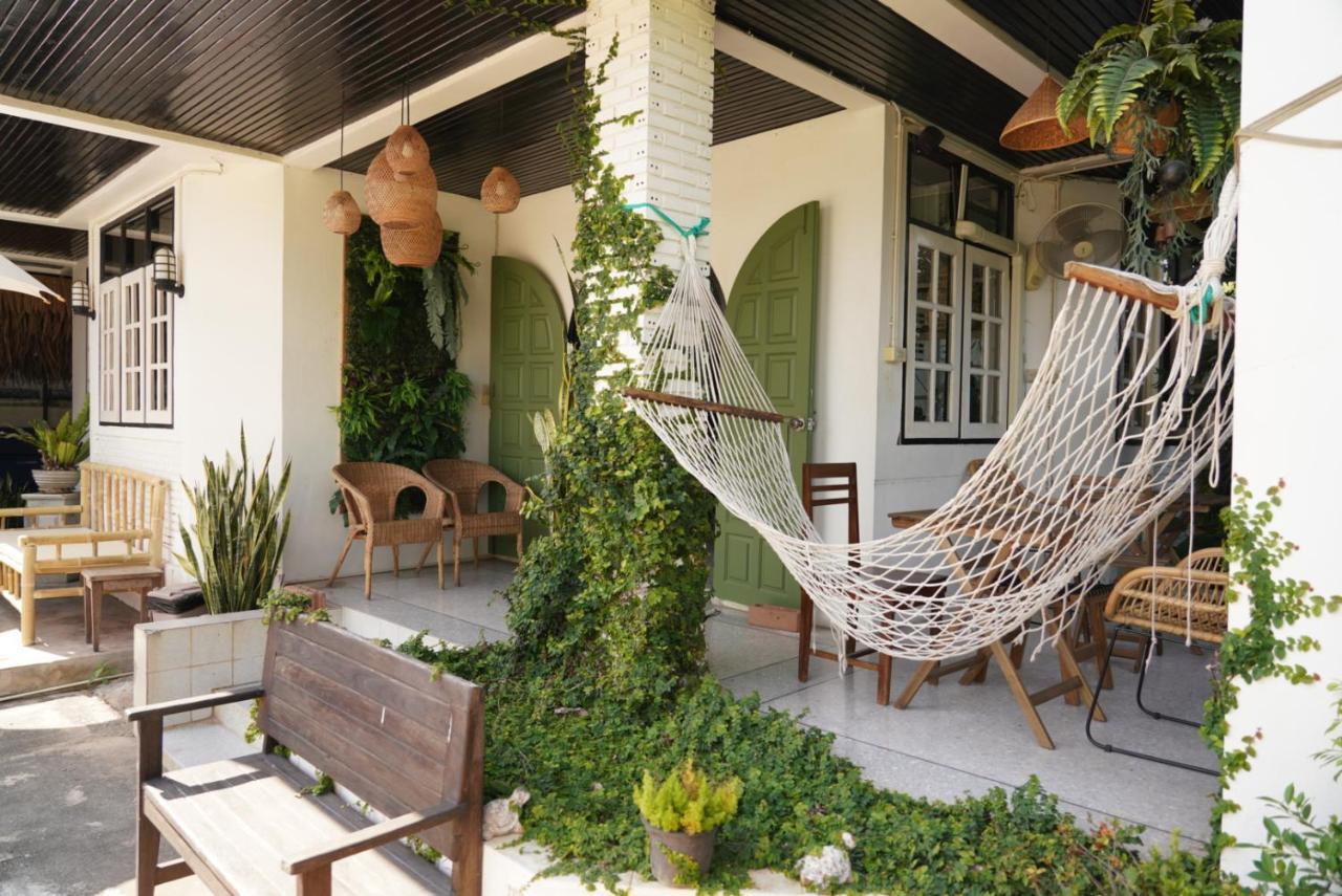 Хостел  No.25 Cafe & Hostel  - отзывы Booking