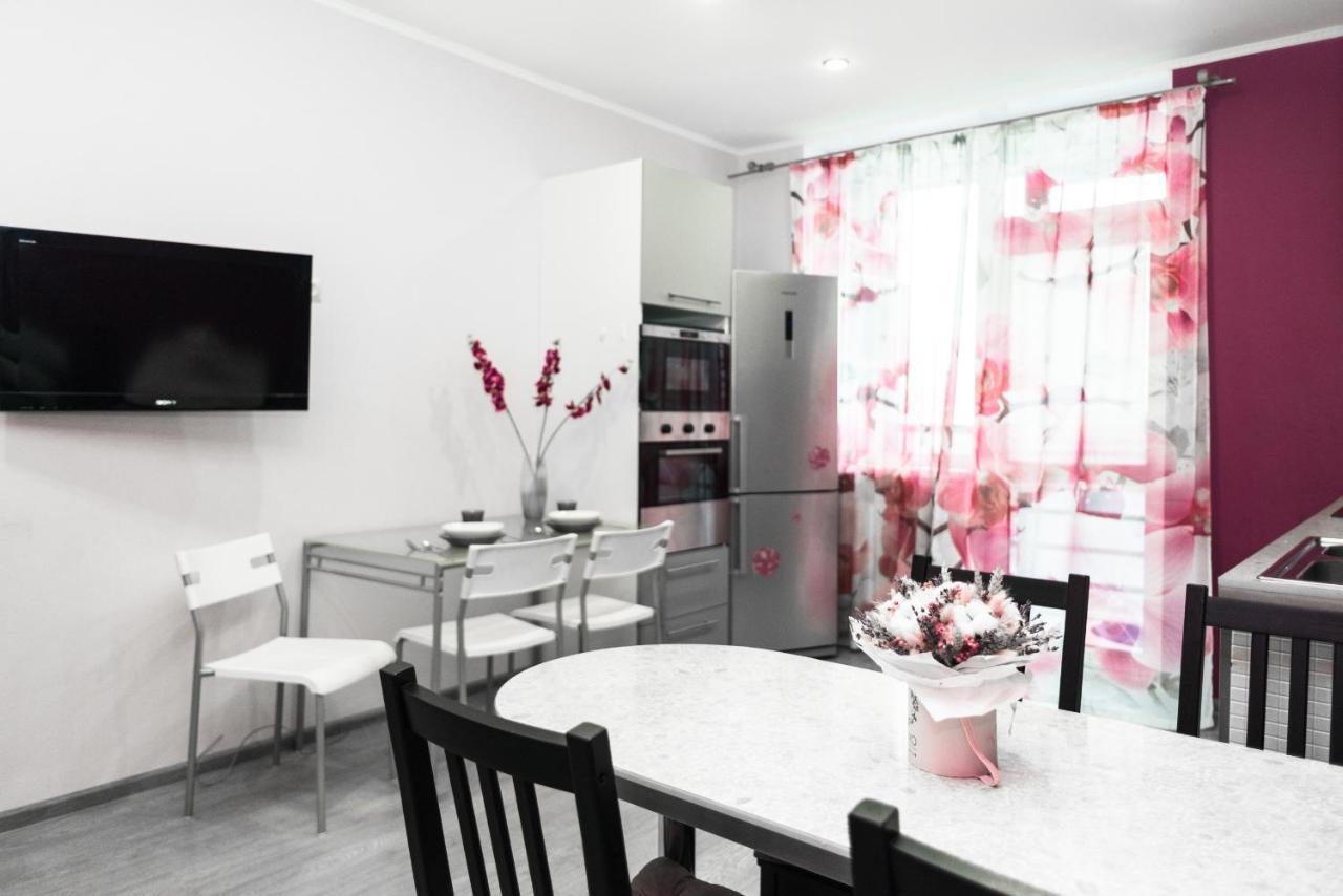 Апартаменты/квартира  Two bedroom apartment on Moskovskaya street 77  - отзывы Booking