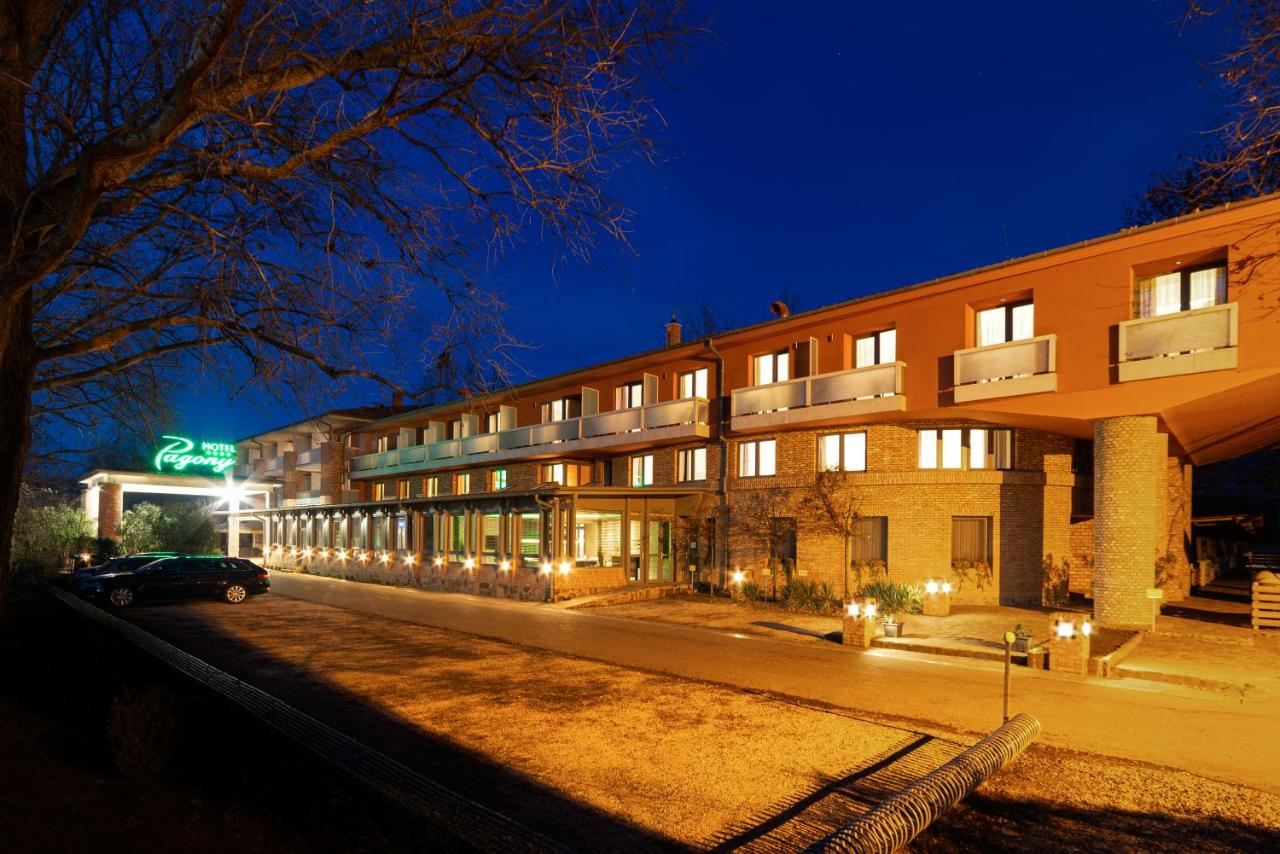 Отель  Hotel Pagony Wellness  - отзывы Booking
