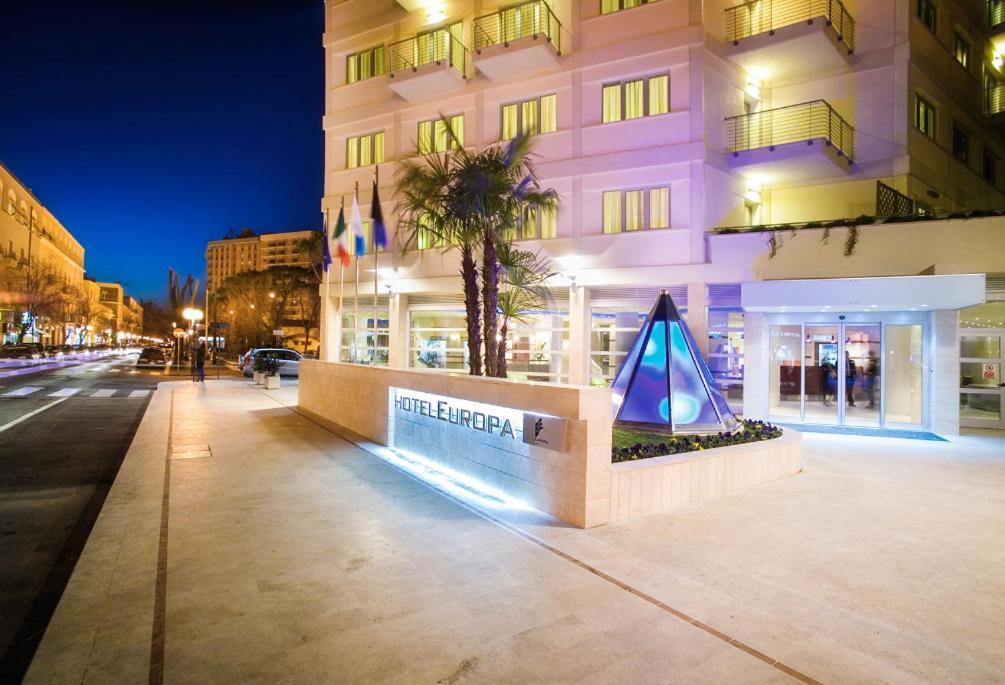 Отель  Hotel Europa  - отзывы Booking