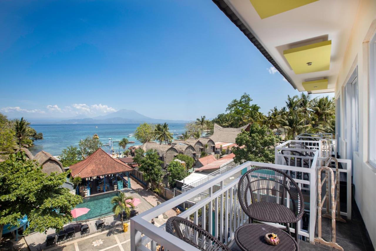 Курортный отель  The Tanis Beach Resort