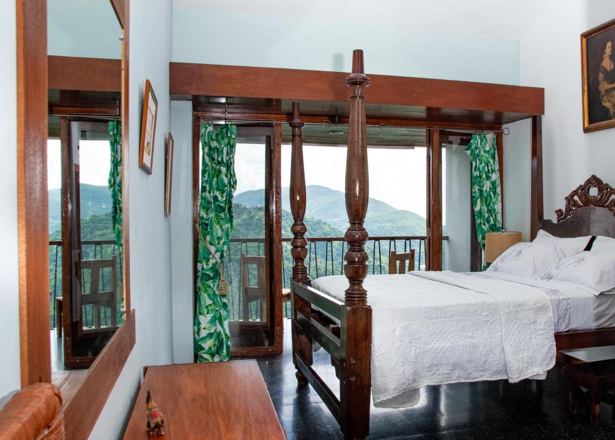 Отель типа «постель и завтрак»  Tranquility Estate
