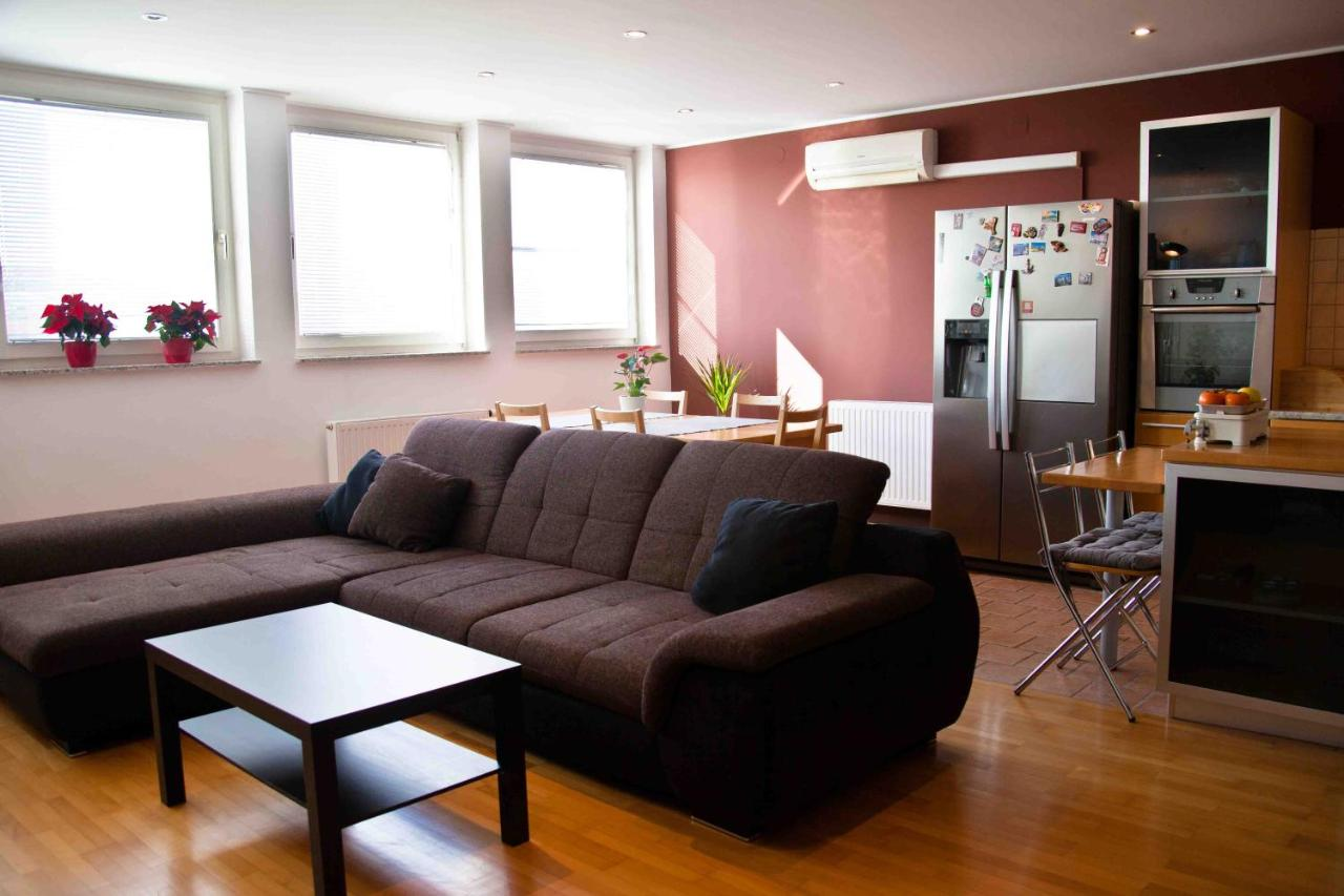 Апартаменты/квартира  Apartment under The Castle  - отзывы Booking