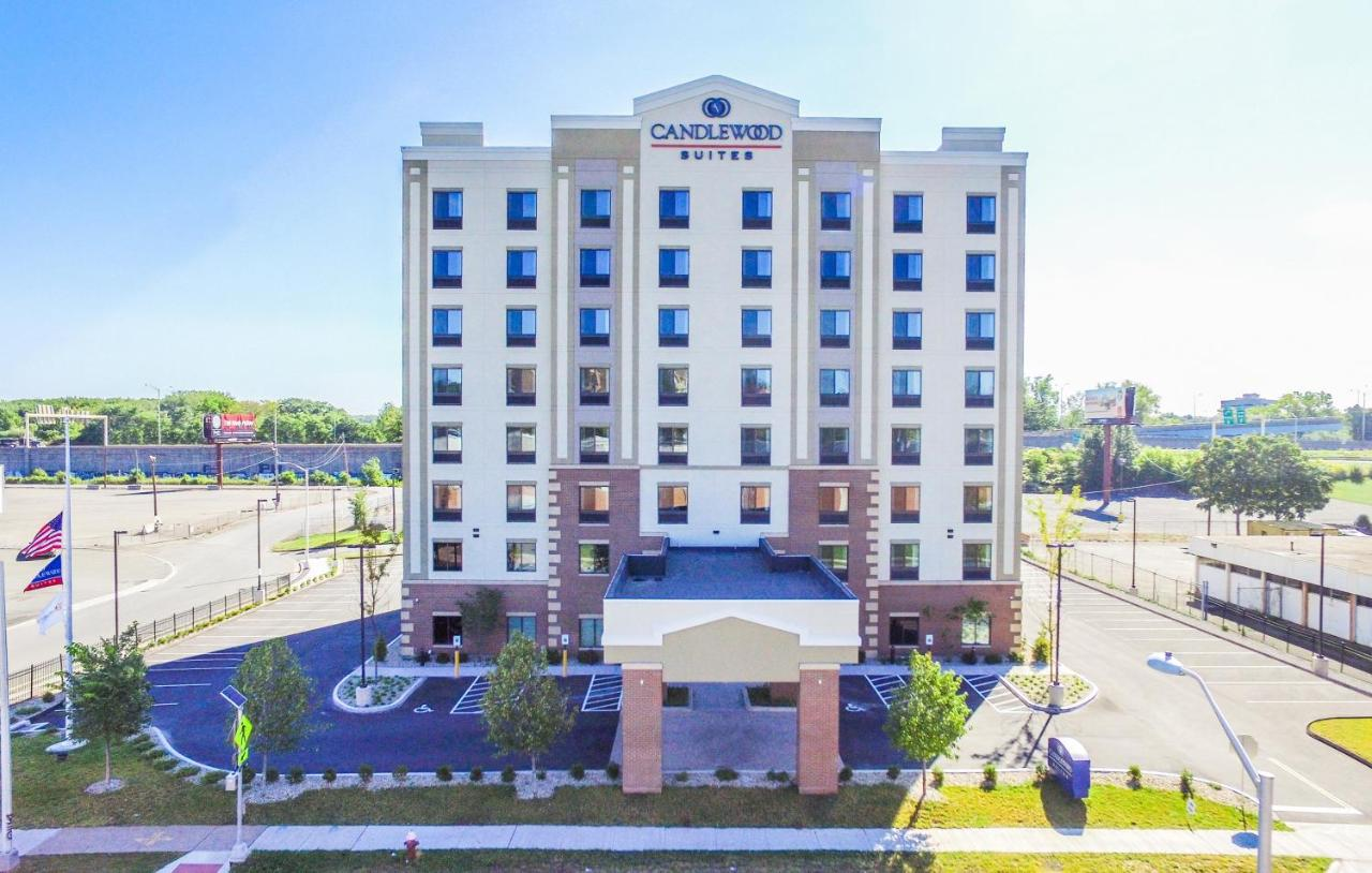 Отель  Отель  Candlewood Suites - Hartford Downtown