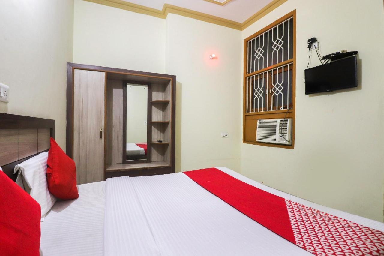 Отель  OYO 67668 Hotel Laxmi Palace  - отзывы Booking