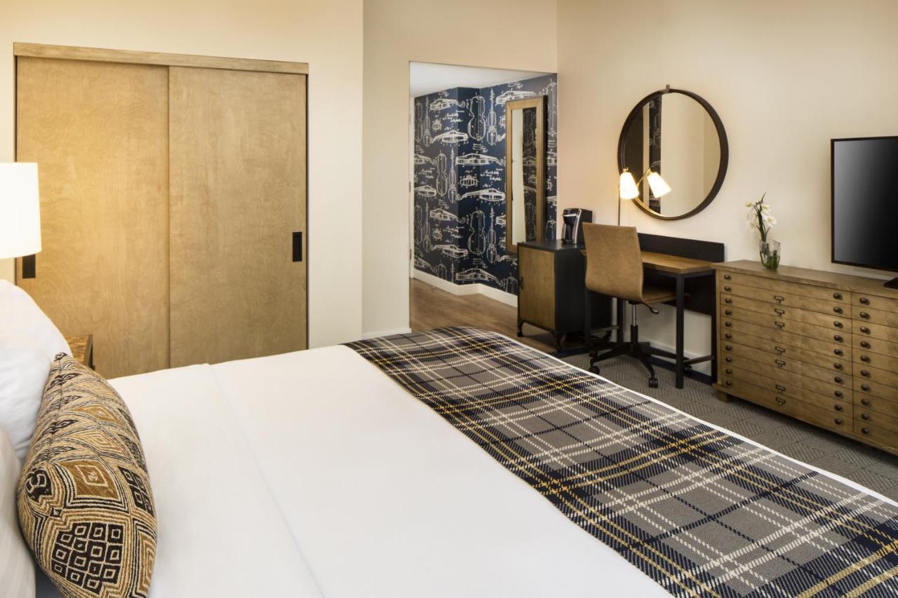 Отель  Отель  Hotel Indigo Boston Garden, An IHG Hotel