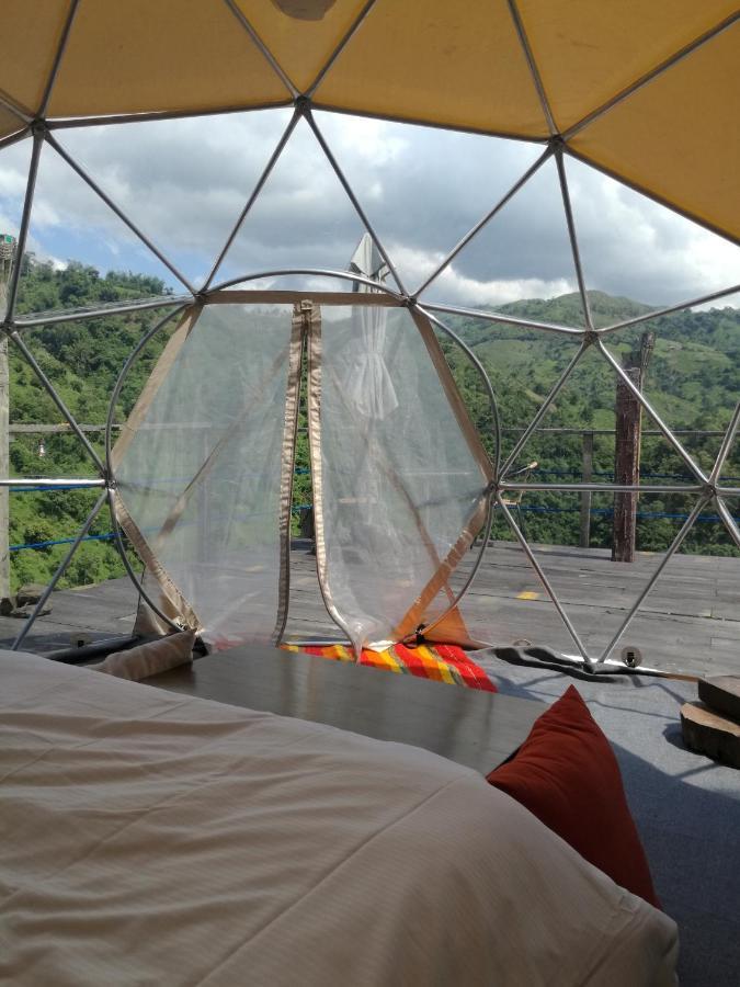 Люкс-шатер  Люкс-шатер  Las Cascadas De Andromeda Glamping