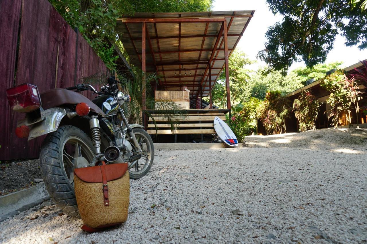 Гостевой дом  El Gato Rojas Surf Hostel