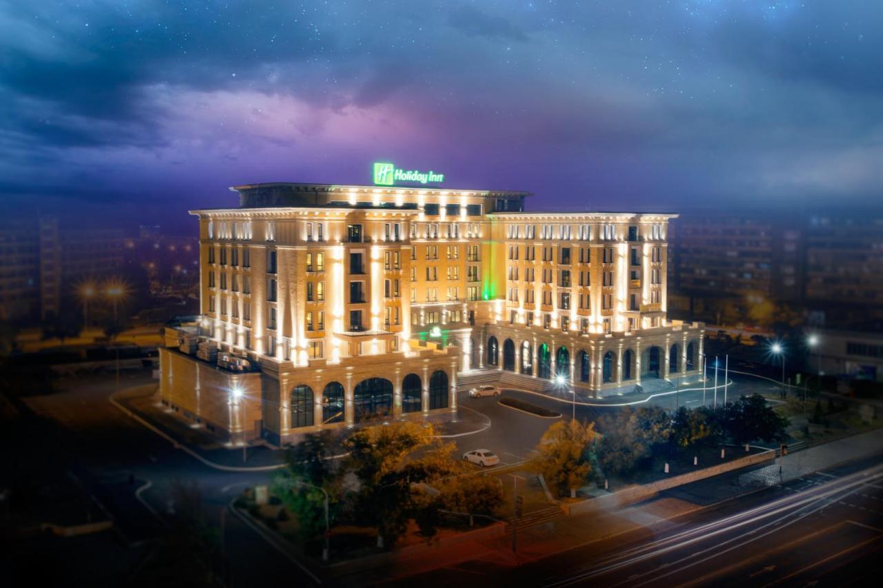 Отель  Отель  Holiday Inn Aktau
