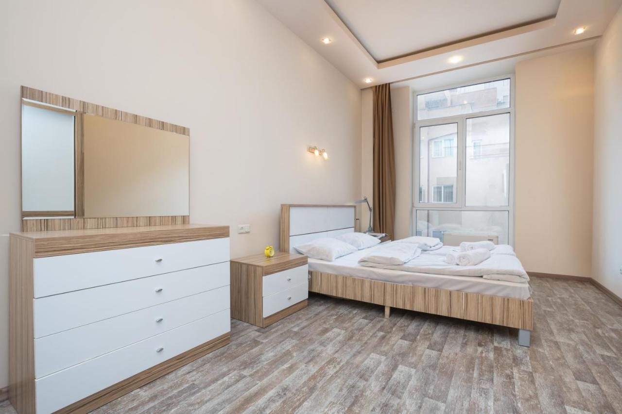Фото  Апартаменты/квартира ☆☆☆☆ Exclusive Apartments 2 bedroom with balconies