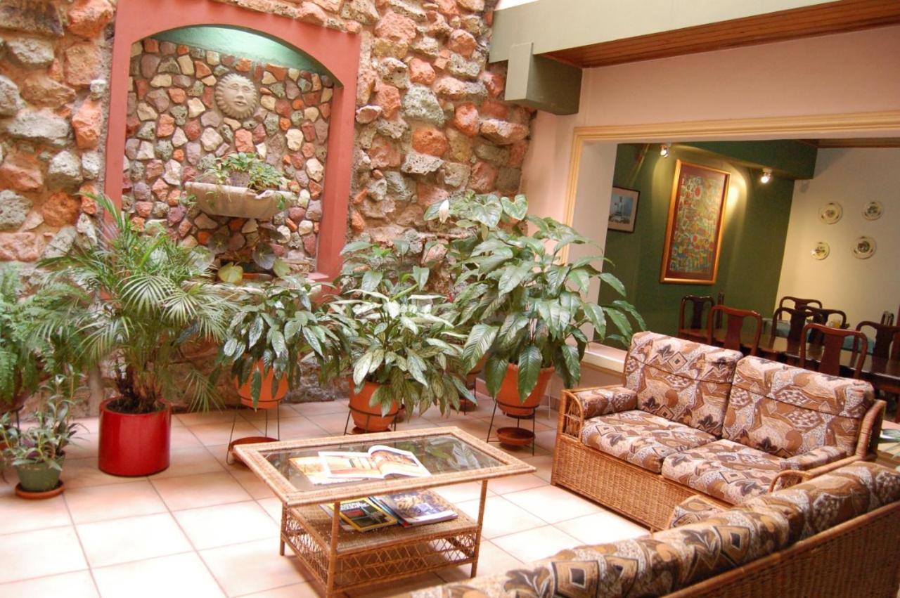Отель  Hotel Alsacia
