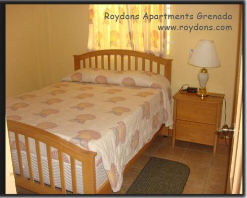 Апарт-отель  Roydons Apartments