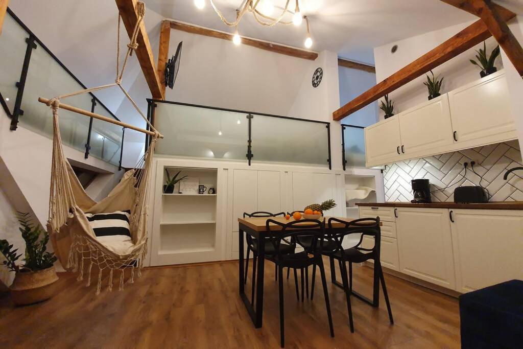 Апартаменты/квартира  Koci Dom Loft  - отзывы Booking