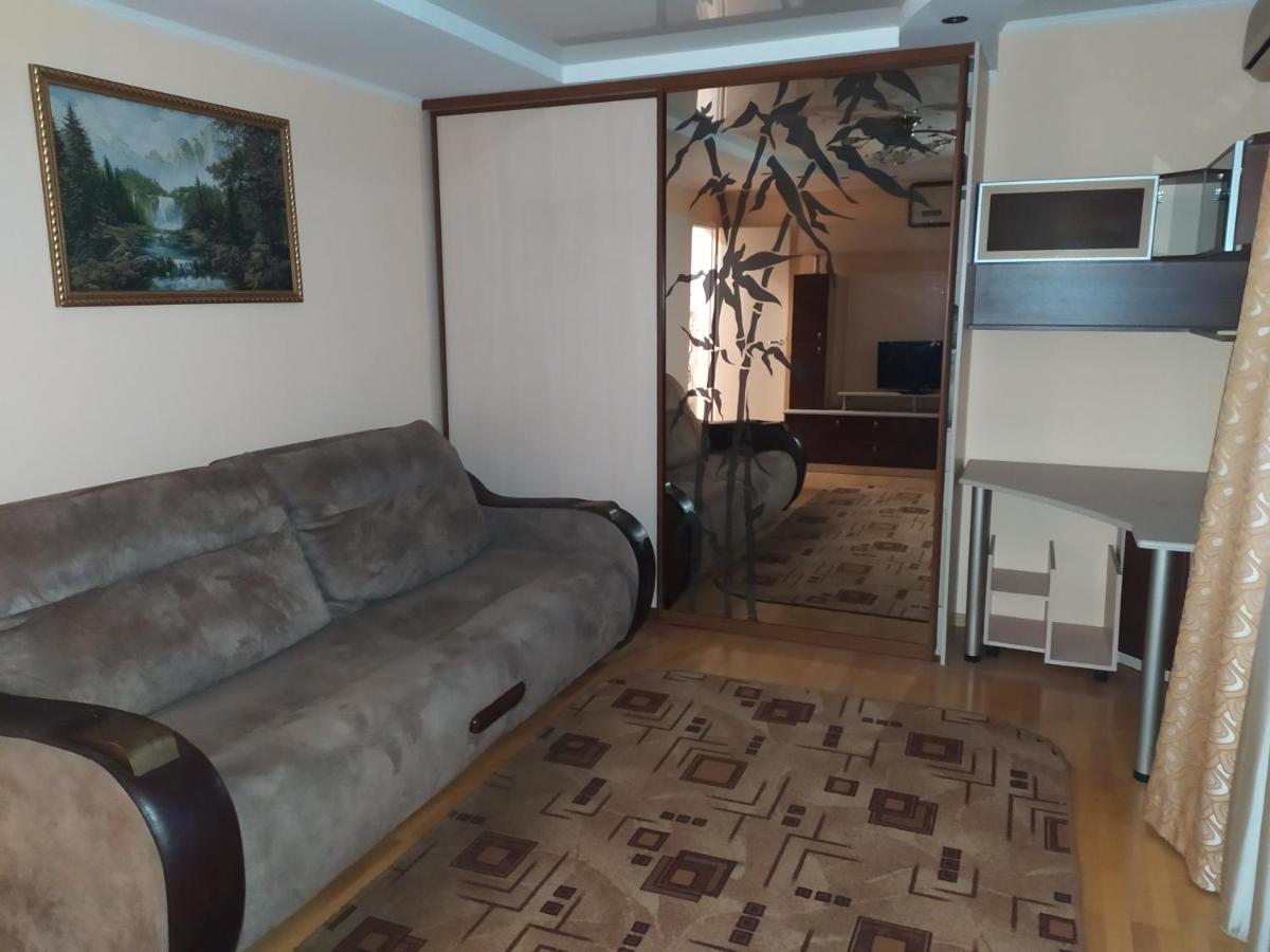 Апартаменты/квартира  2комн кв в Новороссийске на берегу моря со всеми развязками в шаговой доступности
