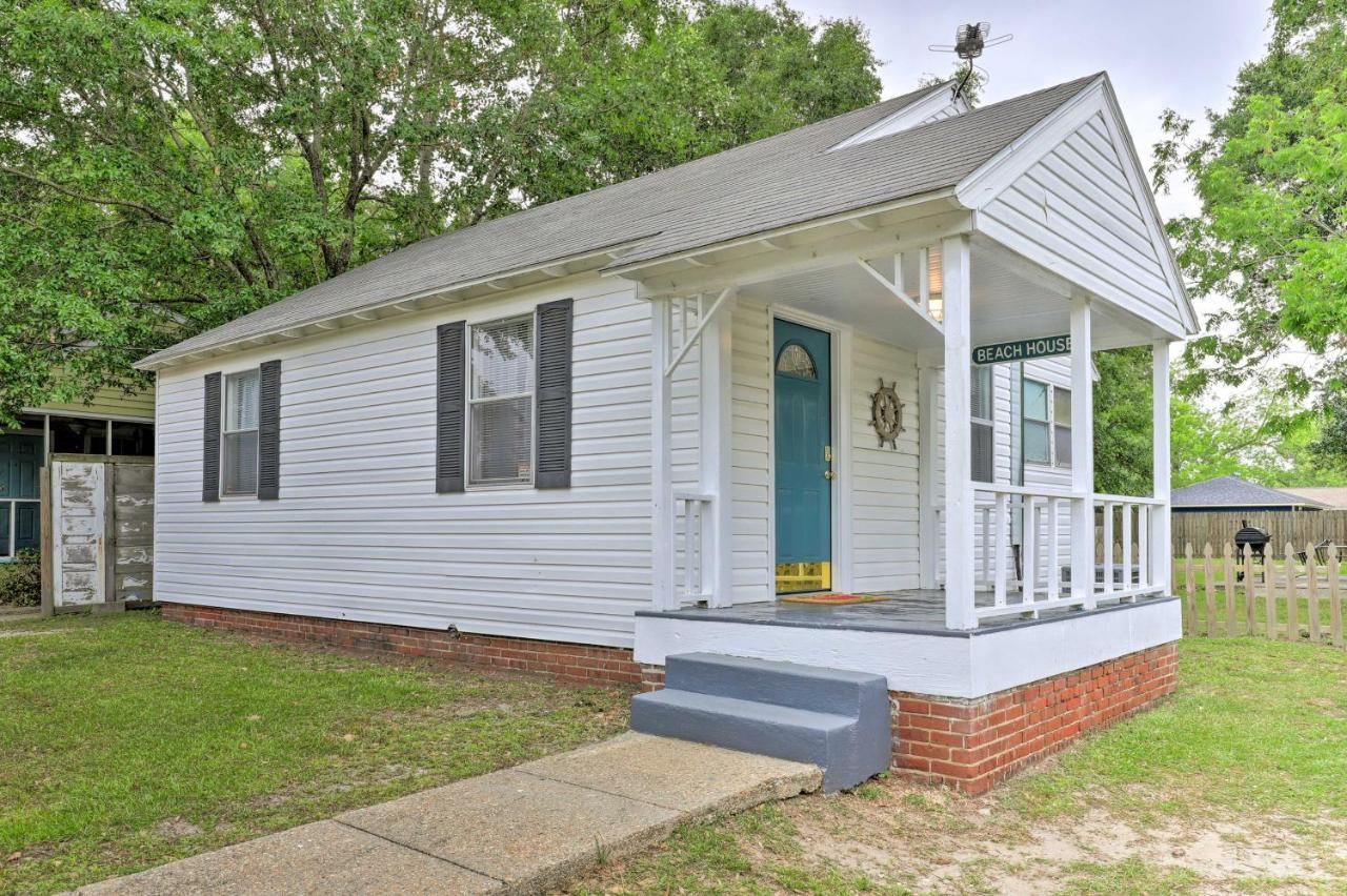 Дом для отпуска  Gulfport Home With Deck And Grill, Walk To Beach!