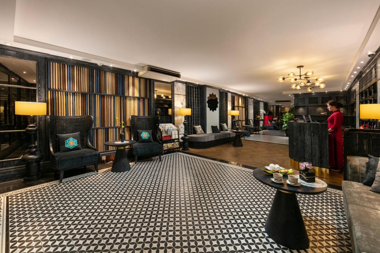 Отель  Shining Central Hotel & Spa