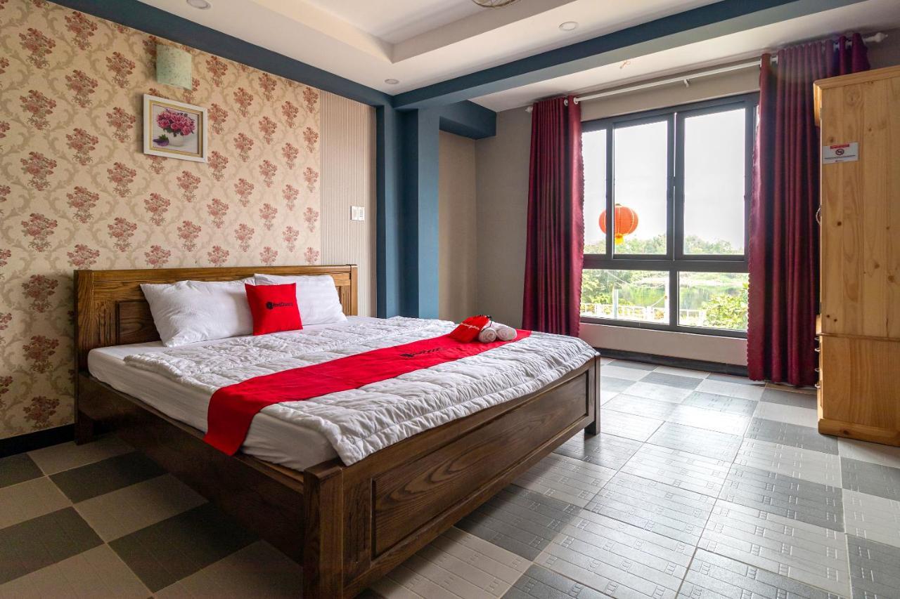 Фото Отель RedDoorz Plus near Vincom Go Vap 3
